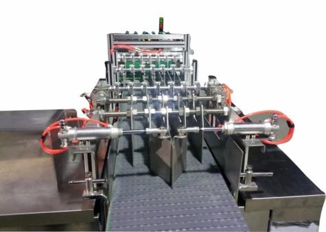 SCL-C-240全自动易拉罐装箱机